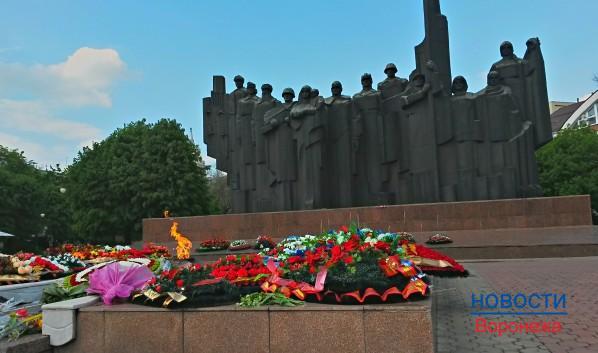 Опубликован список захороненных в братских могилах Воронежа воинов.