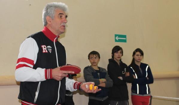 Профессиональный тренер Владимир Вахнин дал мастер-класс для воспитанников спортклуба «Елань».
