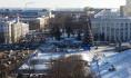 Вокруг ёлки на площади Ленина много разговоров.