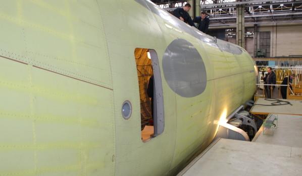 Работы на фюзеляже будущего Ил-112В.