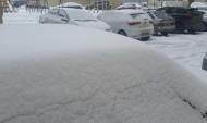 В предпоследний мартовский день улицы завалило снегом.
