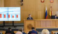 Губернатор Алексей Гордеев отчитывается перед депутатами.