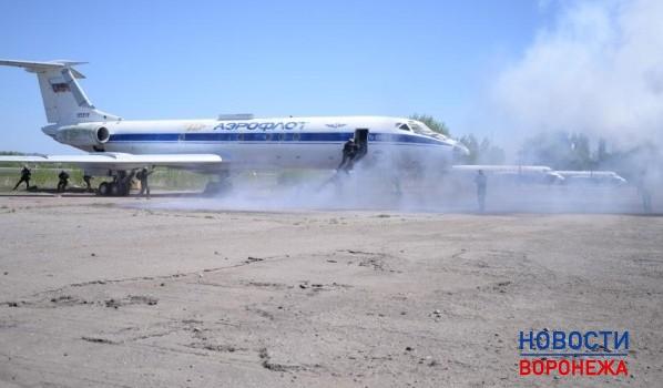 Вворонежском аэропорту условные террористы «захватили» рейс из столицы