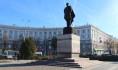 К памятнику Ивану Черняховскому возложат цветы.