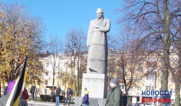 Памятник Алексею Кольцову.