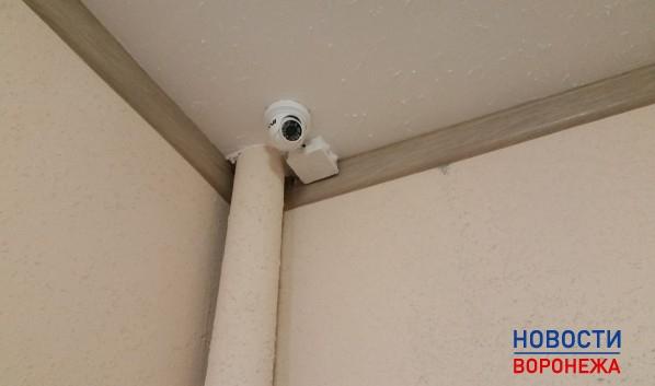 Злоумышленник попался в объектив камеры наблюдения.