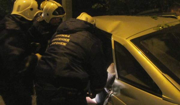 ВВоронеже 4 человека пострадали вночной трагедии