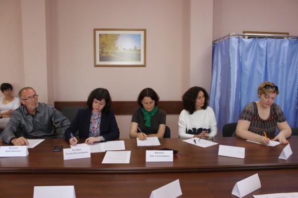 ВгорДуме народные избранники иобщественники обсудили проблему безнадзорных животных вВоронеже