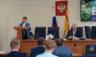 Олег Николаенко выступил перед депутатами горДумы.