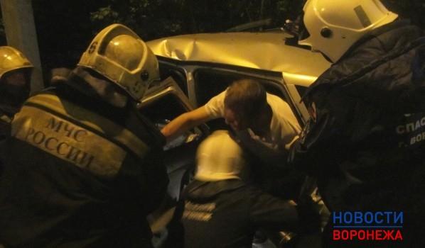 Ночью вКоминтерновском районе Воронежа случилось серьёзное ДТП спострадавшими