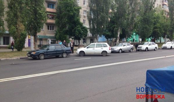 Массовая авария произошла сегодня наулице Южно-Моравской вВоронеже— Шесть машин