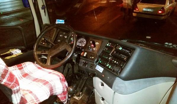 Пассажиров отправили далее по маршруту на другом автобусе.