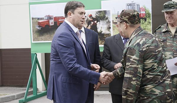 Ключи вручил Максим Увайдов.