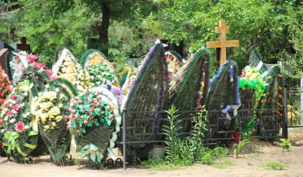 На ритуальном рынке Воронежа работает немало «черных агентов».