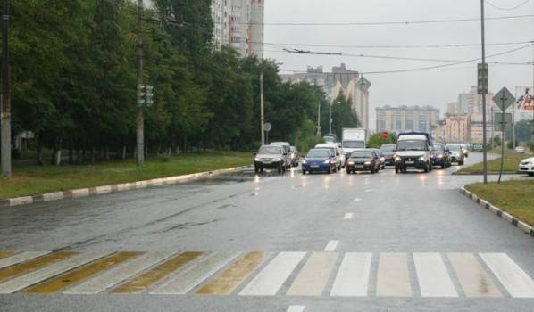 В Воронеже ремонтируют дороги.