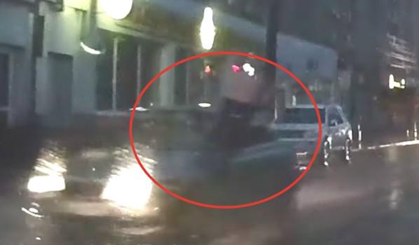 Легковушка сбила пешехода.