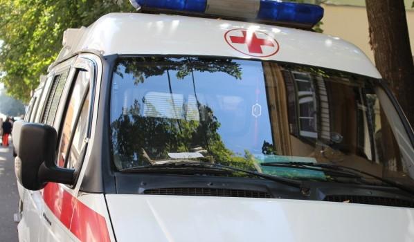 Пассажирку иномарки госпитализировали.