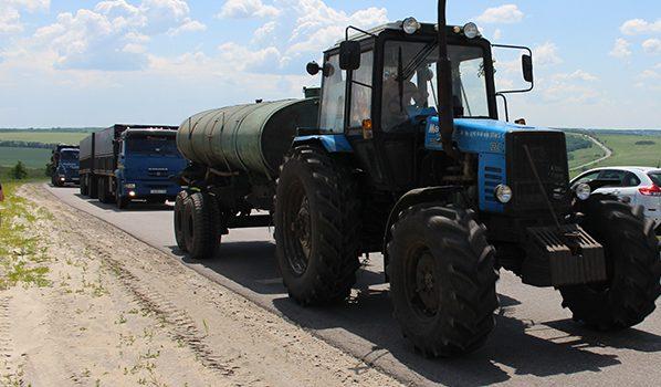 В Воронежской области проверяют трактора.