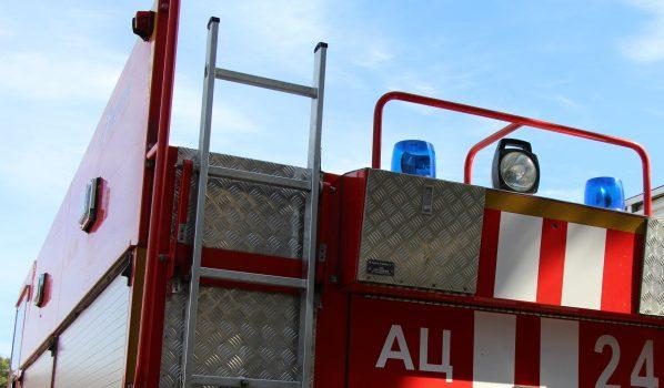Гараж тушили три пожарных отделения.