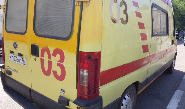 Семейная пара идвое детей пострадали влобовом столкновении под Воронежем