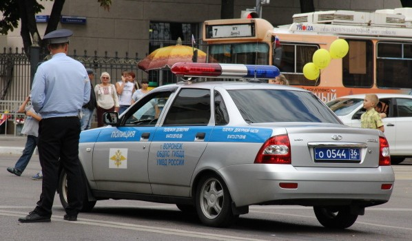Перекроют движение около площади Ленина.