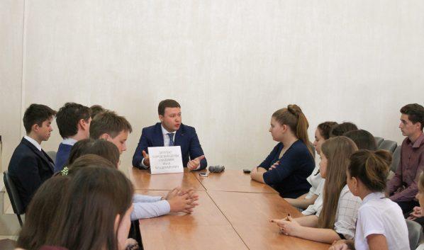 Иван Кандыбин встретился со школьниками.