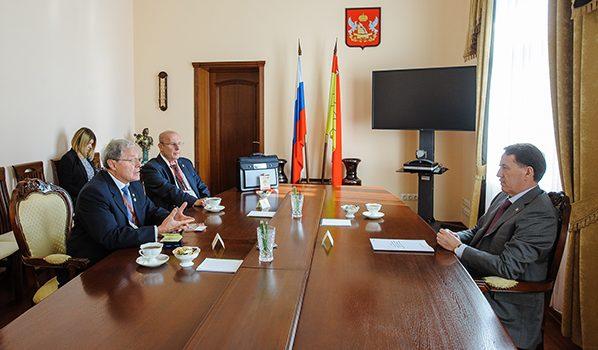 Слева направо: Михаил Островский, Игорь Есауленко и Алексей Гордеев.