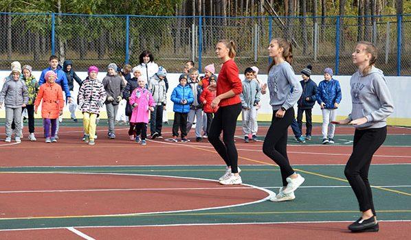 На новой спортивной площадке в школе №55.