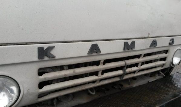 «ГАЗель» врезалась в «КамАЗ».