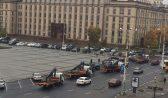 Авто эвакуируют с площади Ленина.
