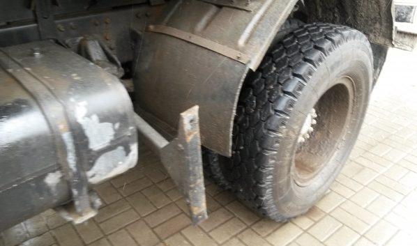 ВВоронежской области шофёр «Дэу Нексии» врезался в фургон, шофёр которого умер