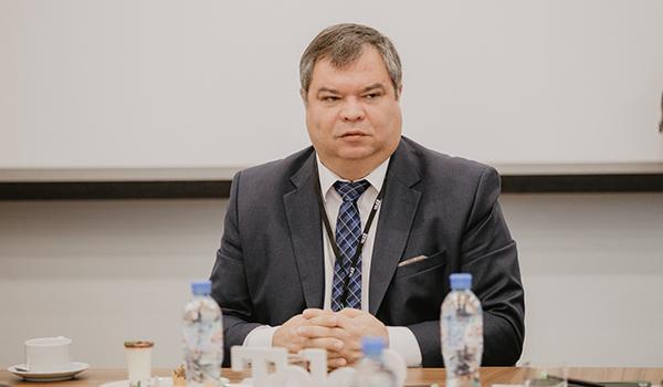 Дмитрий Садыков.