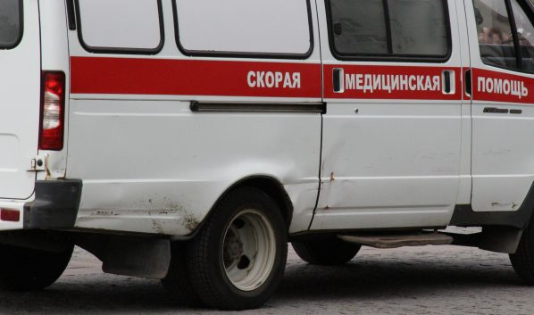 Водителя госпитализировали, но он скончался в больнице.