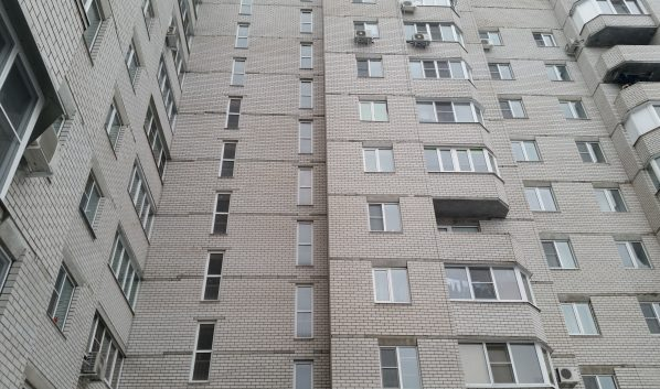 Люди думали, что они сняли жилье, а им лишь распечатывали бумаги с фото квартир.