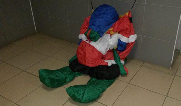 Дед Мороз сдулся.
