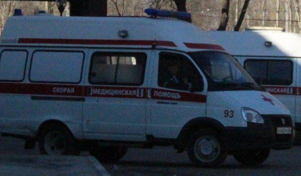 Двое погибли на месте пожара, еще несколько человек доставили в больницы.