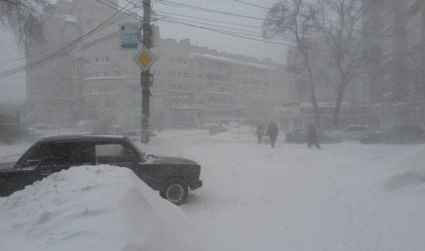 Снова непогода: cотрудники экстренных служб напугали граждан Воронежской области будущими снегопадами игололедом