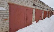 Воронежец торговал алкоголем в гараже.