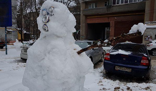 Даже снеговики в шоке от таких перепадов температур.