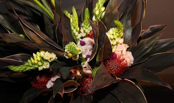 Лишь 20 процентов воронежцев лучшим считают букет из разных цветов.