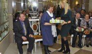 Юбиляров поздравили от лица сенатора.