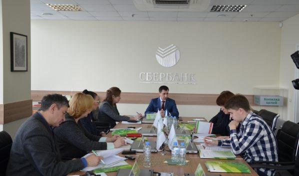 Управляющий Воронежским отделением ПАО Сбербанк Денис Скребец провел брифинг для журналистов.
