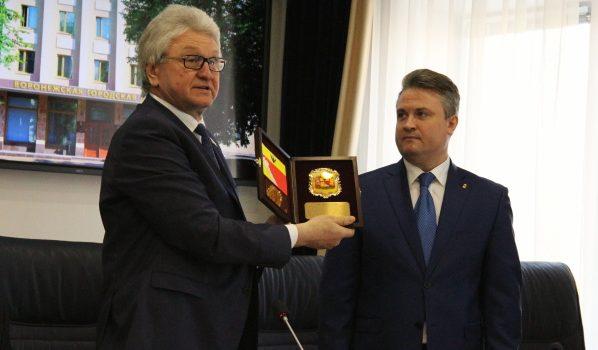 Вадим Кстенин официально вступил в должность мэра.