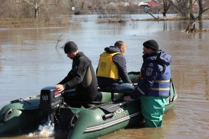 Людей предупреждают о повышении уровня воды в реки.
