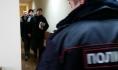 Игоря Житенева и Михаила Безменского ведут на заседание суда.