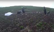 Два парашютиста совершили жесткую посадку.
