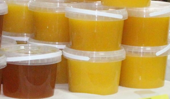Пенсионеру продали мед за огромную цену.