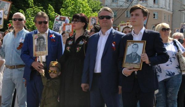 Мэр Вадим Кстенин принял участие в памятной акции.