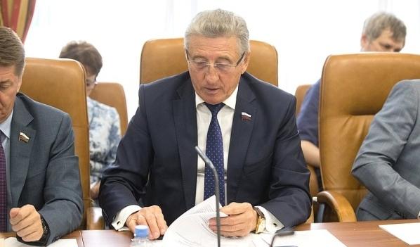 Сергей Лукин на заседании.