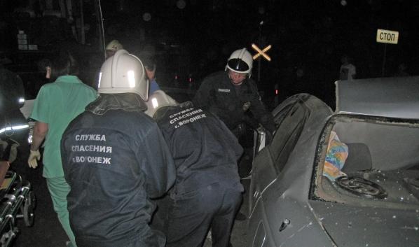 Водителя доставали спасатели.